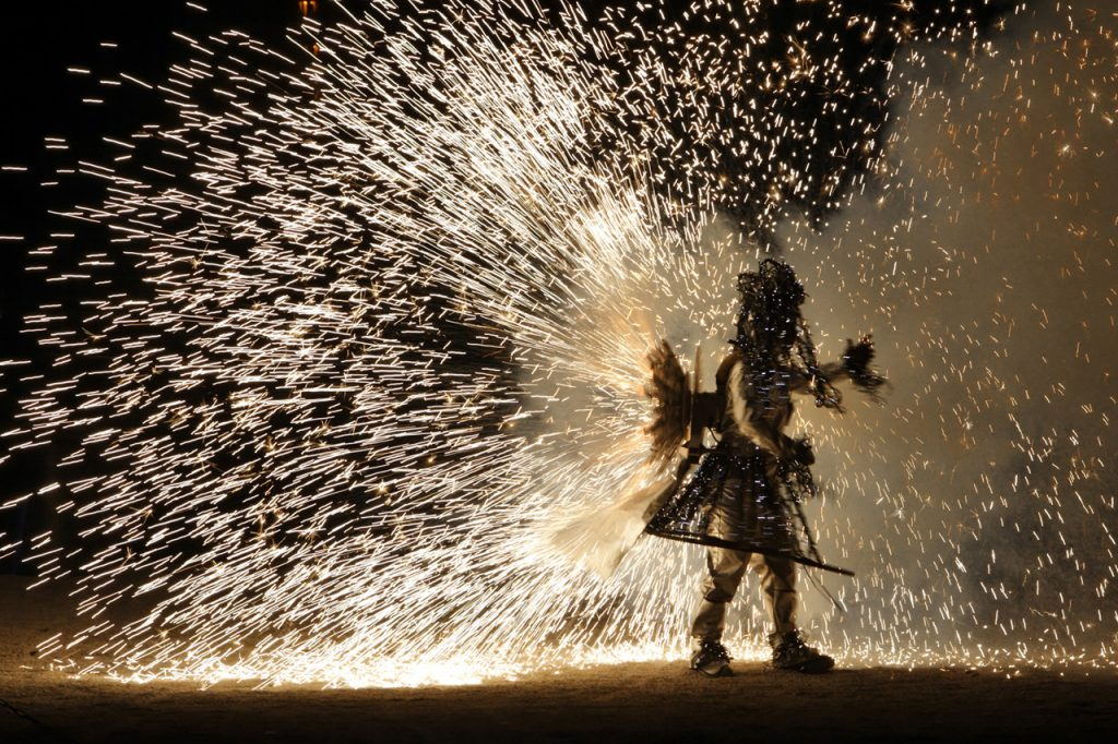 Groupe F Firework Dancers